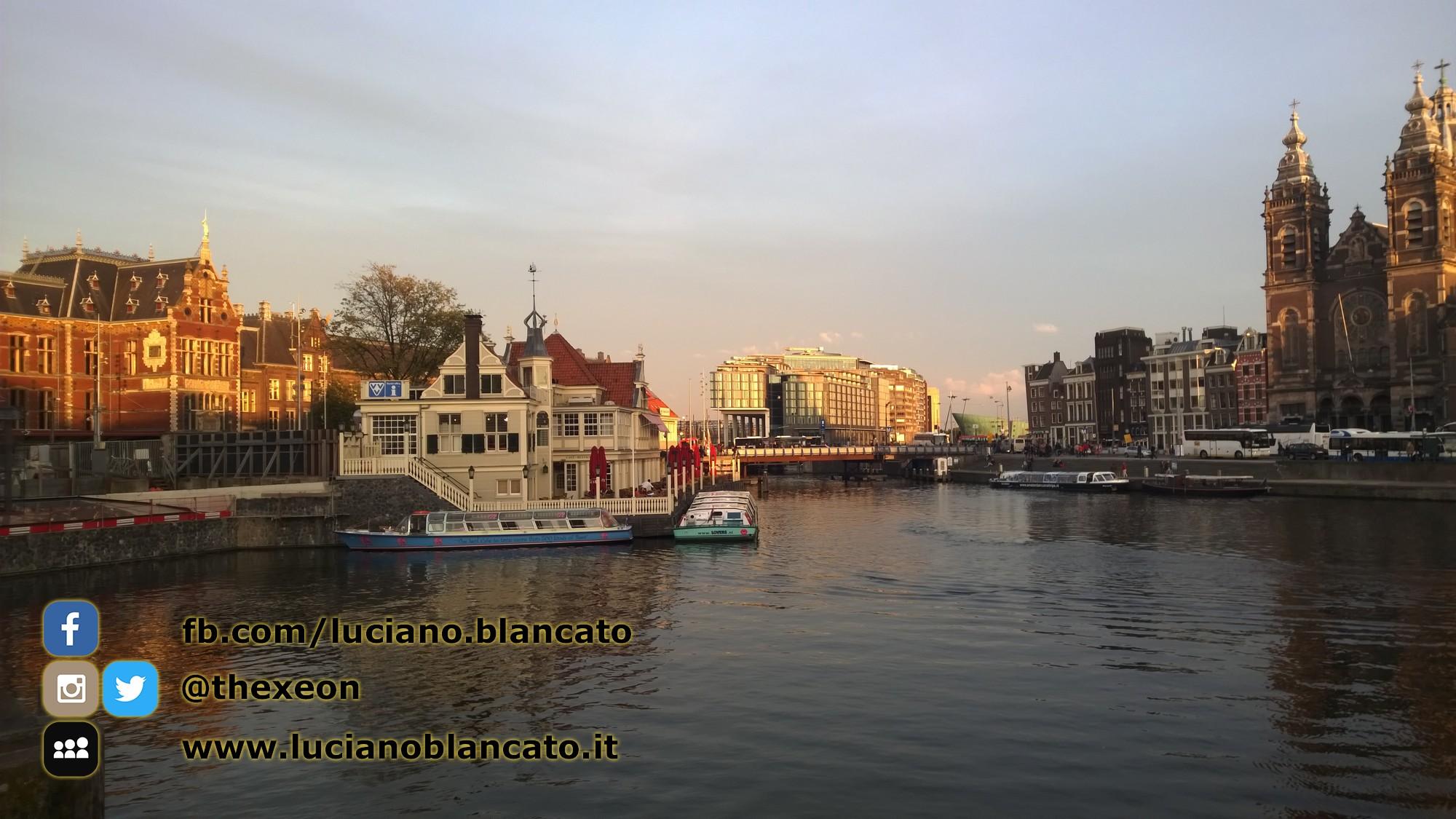 Amsterdam - Basilica di San Nicola - Sint-Nicolaaskerk e canali