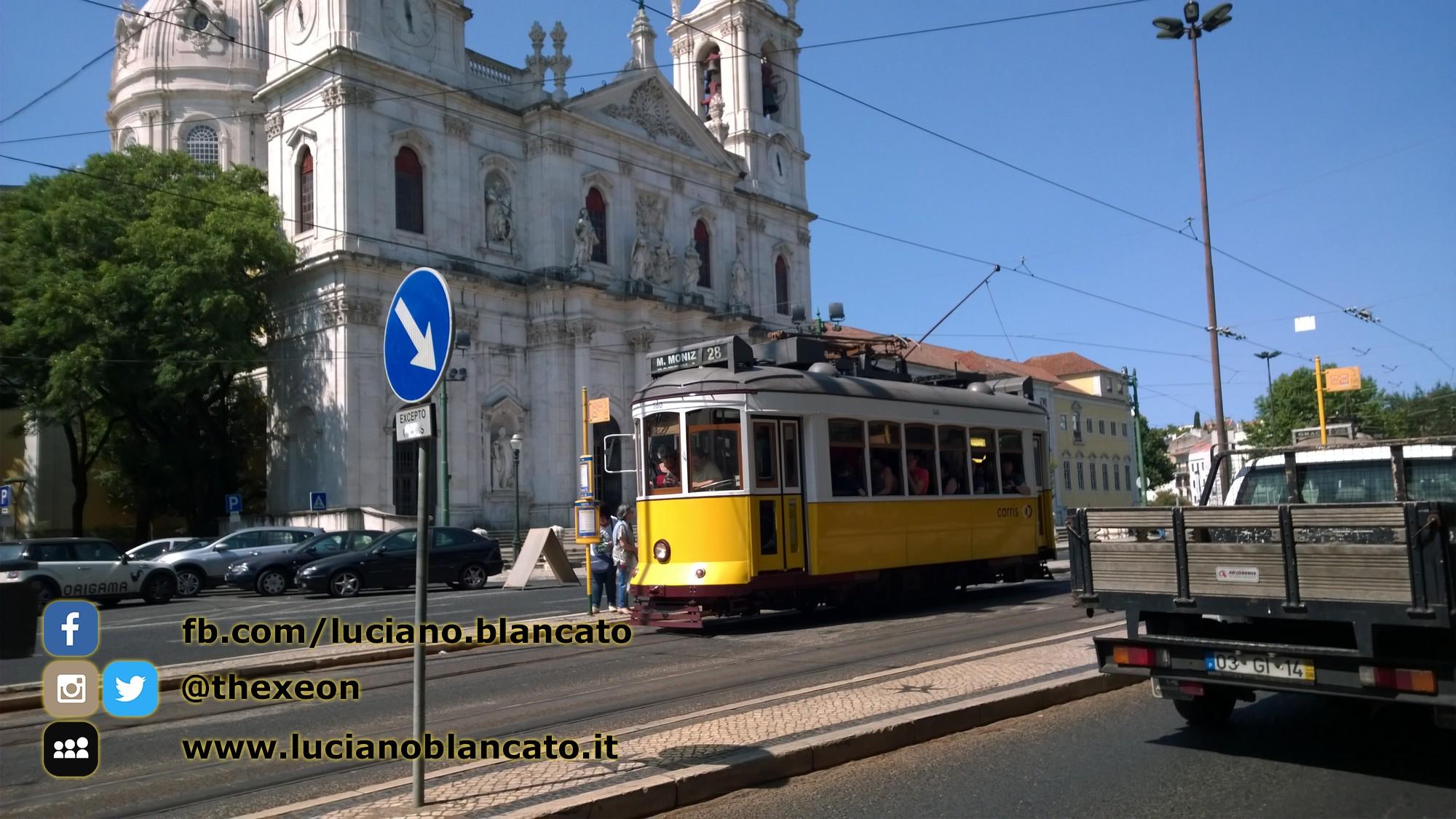 Lisbona - in giro per la città! fermata del tram
