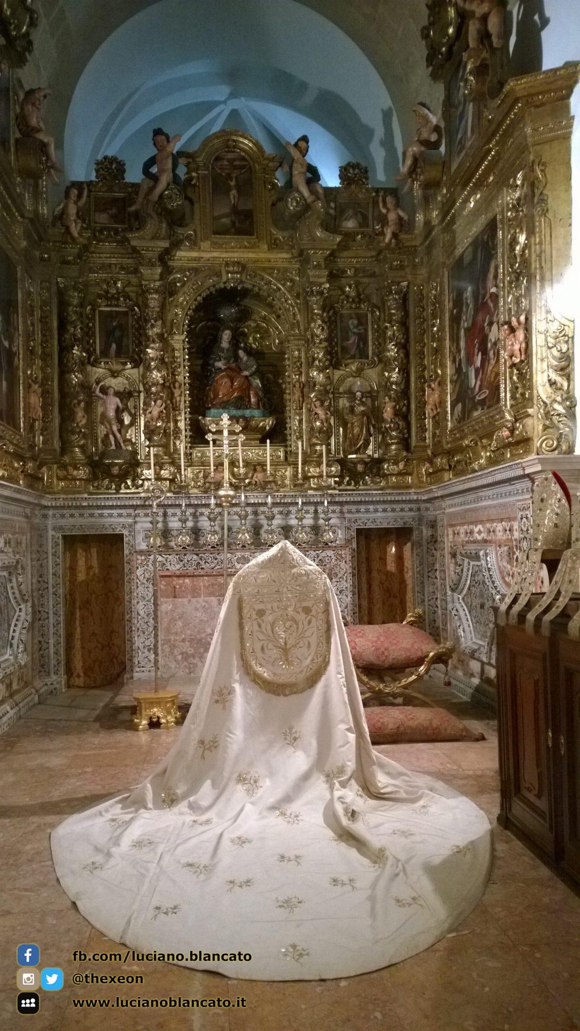 Lisbona - abiti papali - Museu Antonio Museu de Lisboa - Santo António