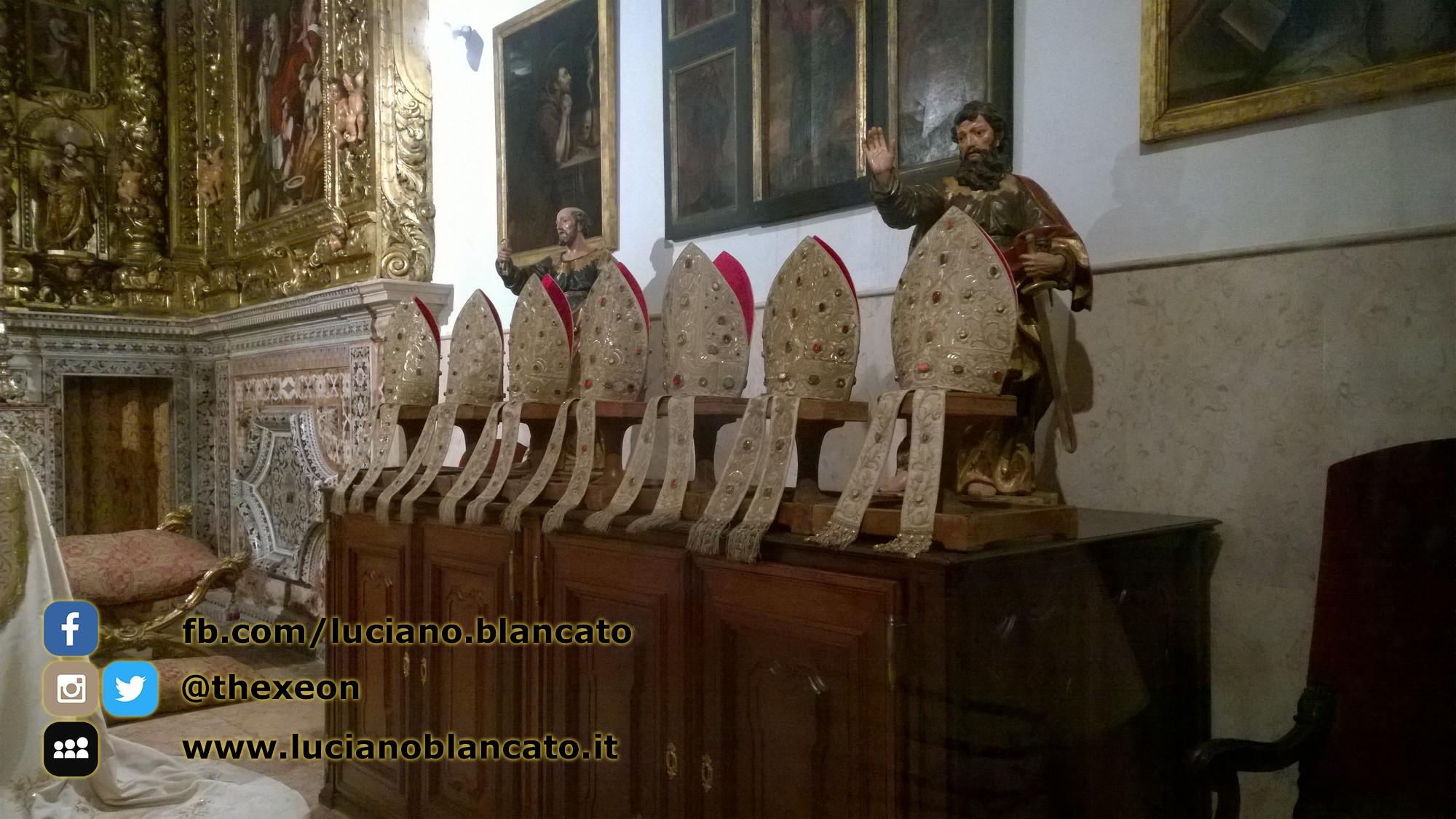 copy_Lisbona - abiti papali - Museu Antonio Museu de Lisboa - Santo António