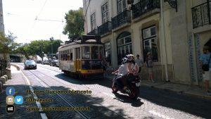 Lisbona - gironzolando per la città - dal tram