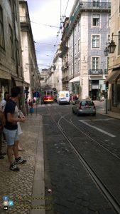 Lisbona - tram brandizzato cocacola