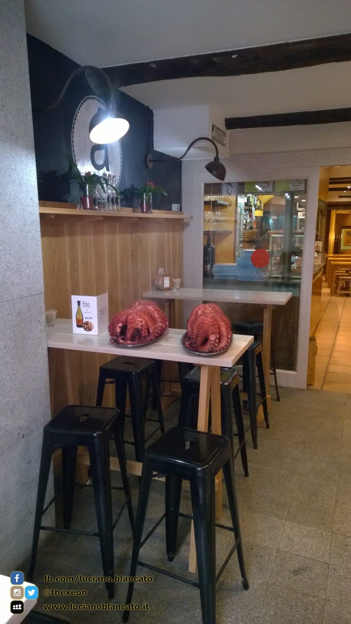 Santiago de Compostela - polipo lesso pronto per esser mangiato