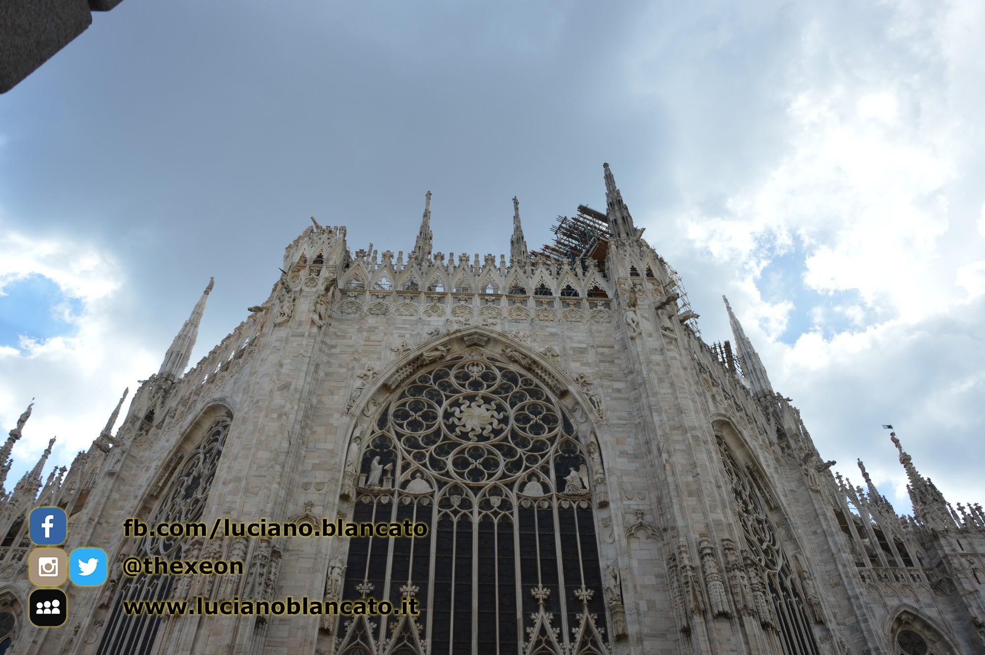 copy_6_Milano - dettaglio del duomo