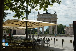 Milano - Arco della pace con vista su Castello sforzesco