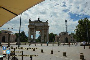 copy_Milano - Arco della pace con vista su Castello sforzesco