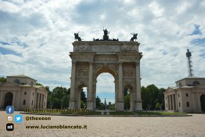 copy_3_Milano - Arco della pace con vista su Castello sforzesco