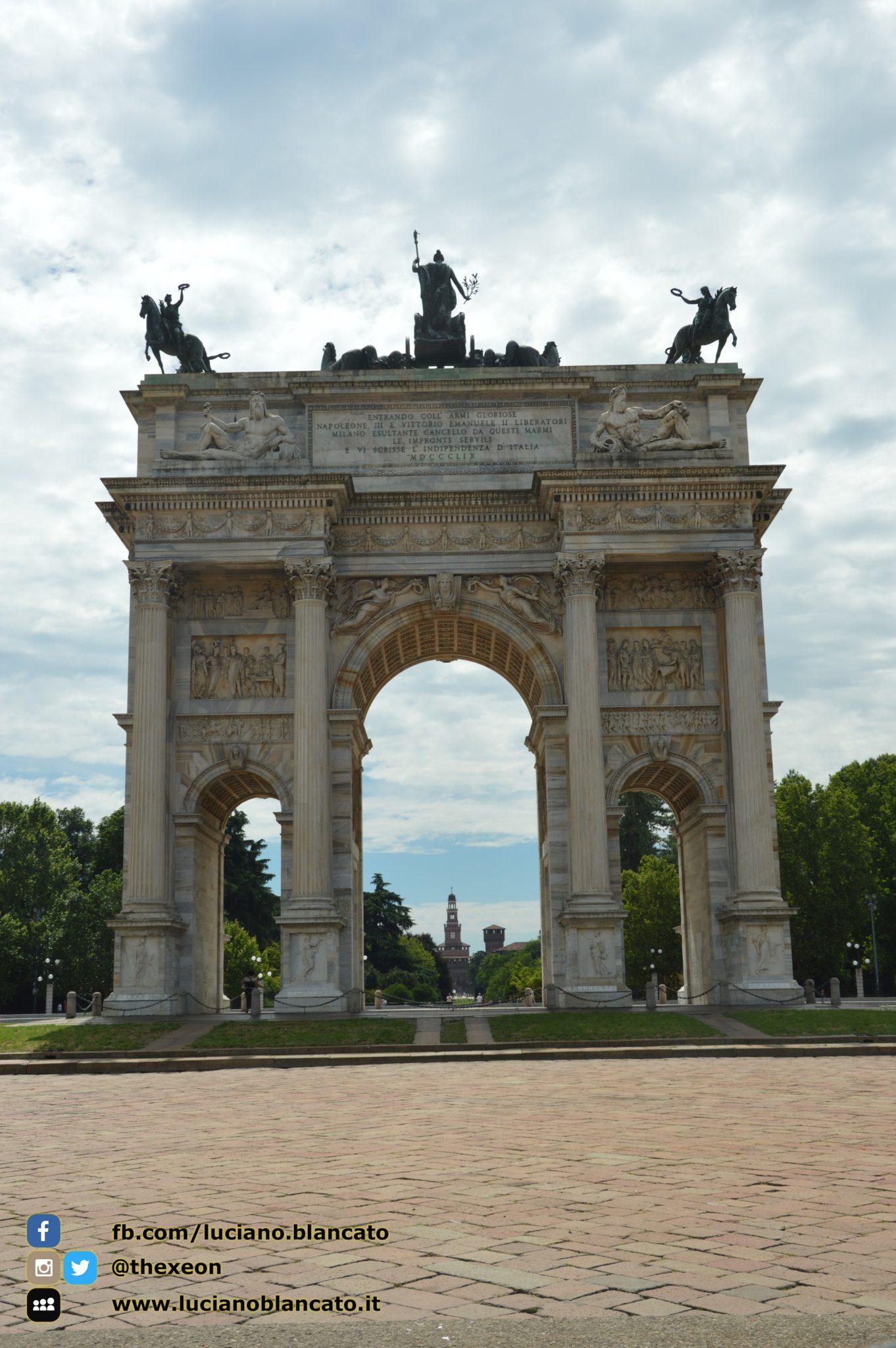 copy_4_Milano - Arco della pace con vista su Castello sforzesco