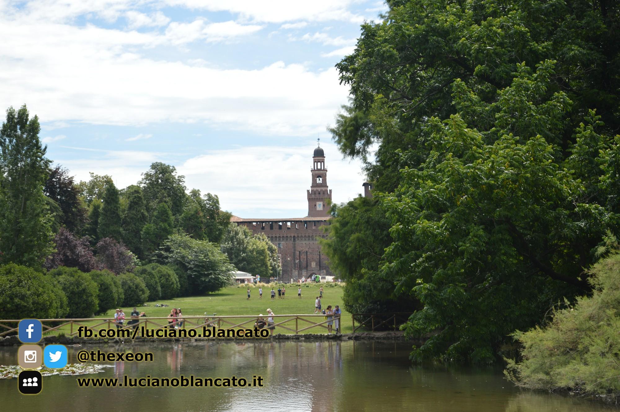 copy_Milano - Parco sempione - stagno - Castello sforzesco