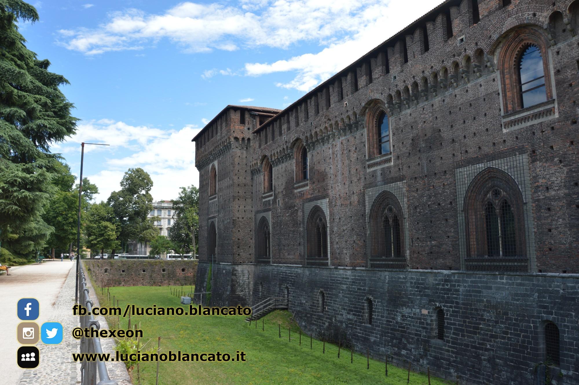 Milano - Castello sforzesco - fossato
