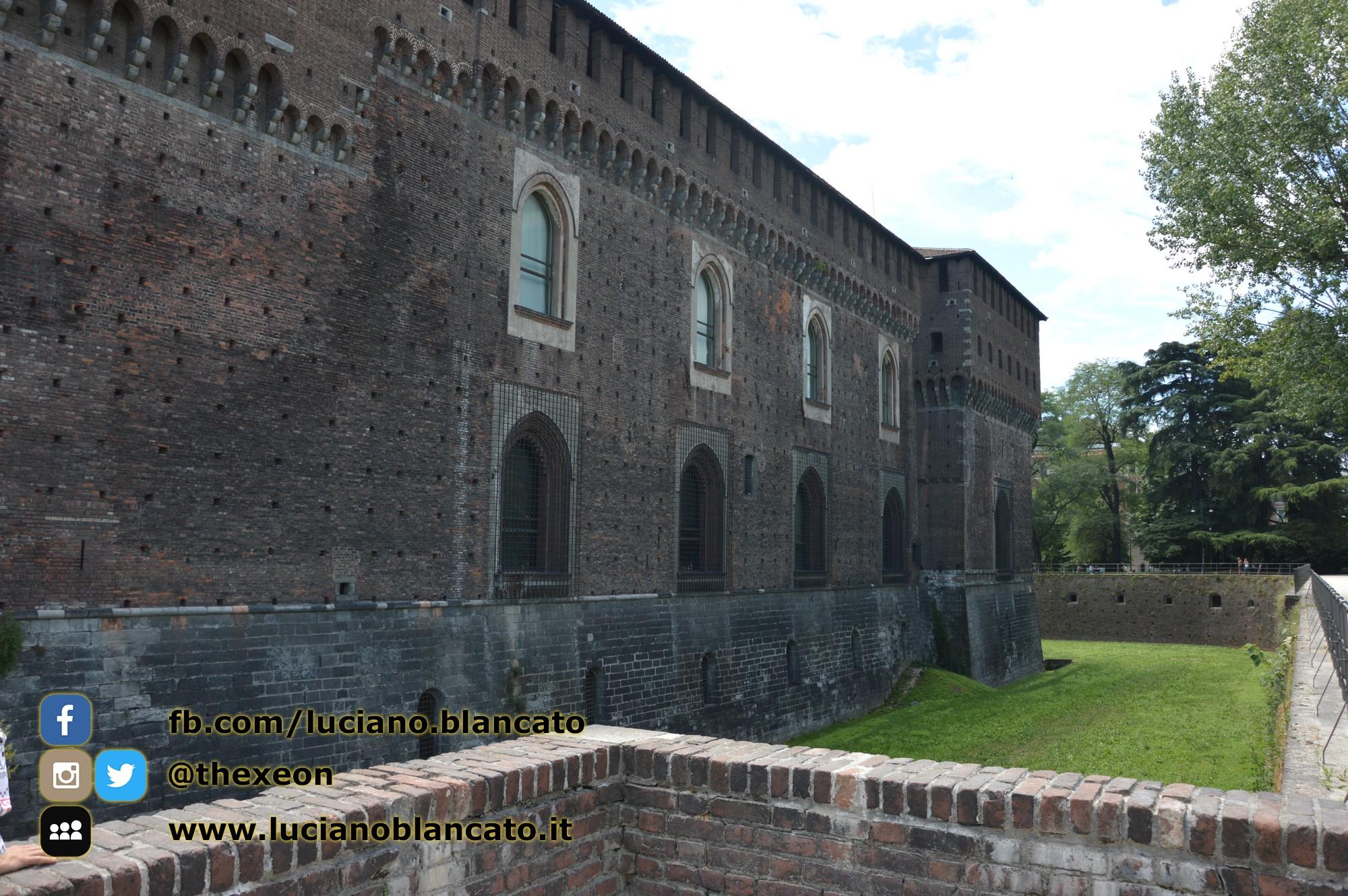 copy_1_Milano - Castello sforzesco - fossato