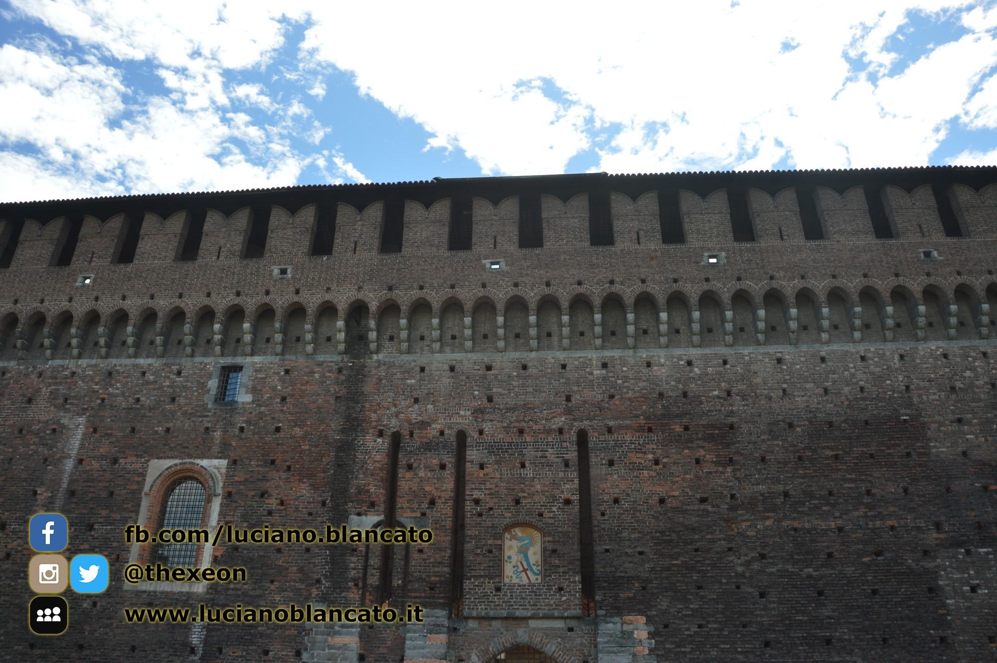 Milano - Castello sforzesco - cortili interni