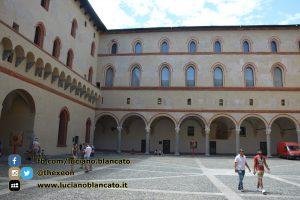 copy_10_Milano - Castello sforzesco - cortili interni