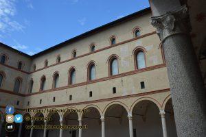 copy_11_Milano - Castello sforzesco - cortili interni
