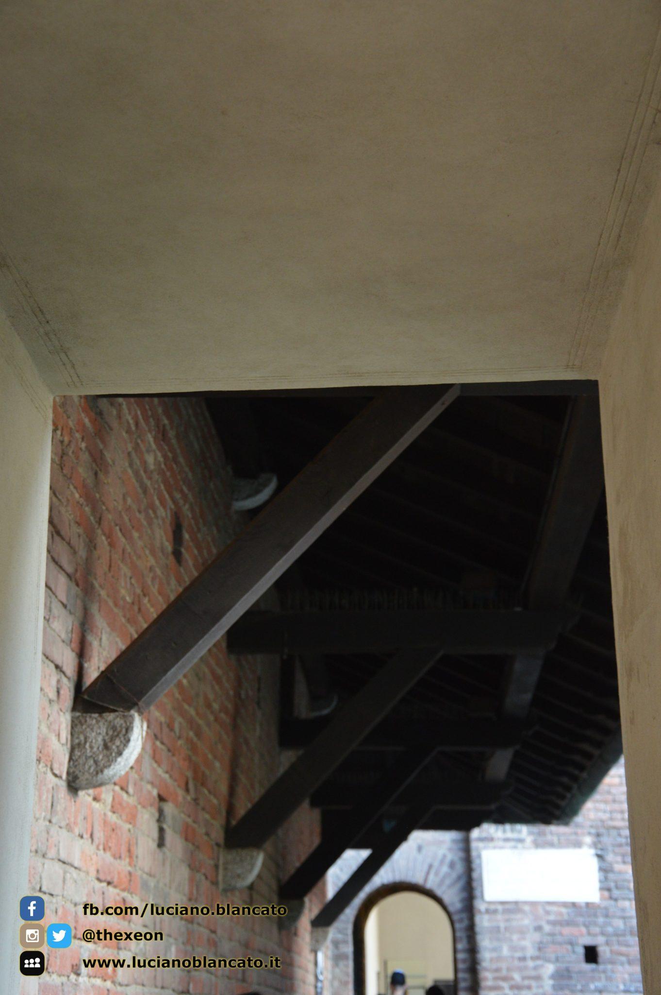 copy_Milano - Castello sforzesco - cortili interni - dettagli