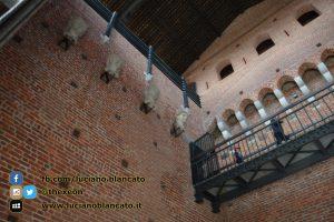 copy_12_Milano - Castello sforzesco - cortili interni