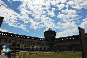 copy_14_Milano - Castello sforzesco - cortili interni