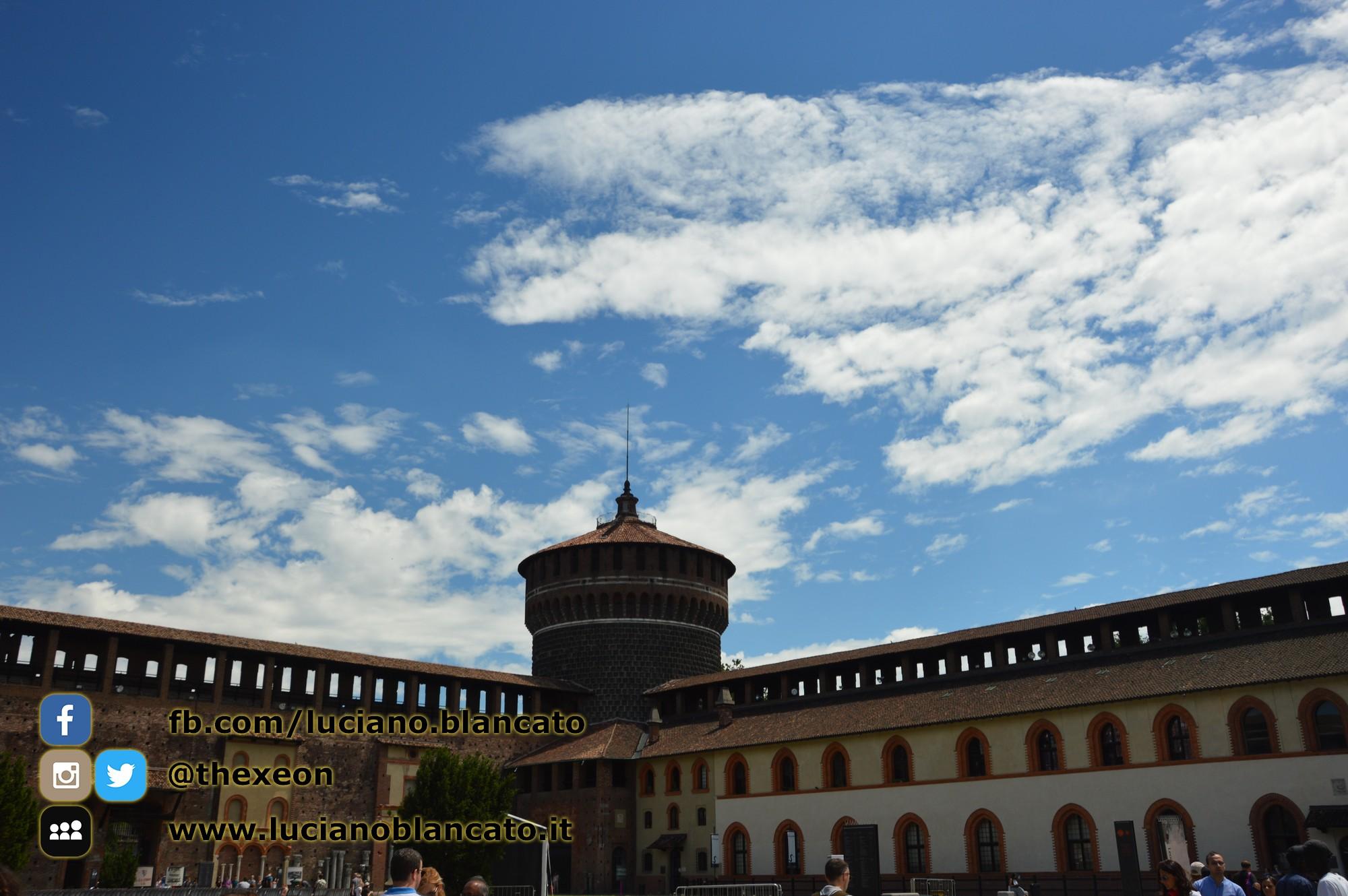 copy_15_Milano - Castello sforzesco - cortili interni