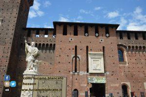 copy_2_Milano - Castello sforzesco - cortili interni - dettagli