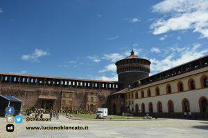 copy_16_Milano - Castello sforzesco - cortili interni
