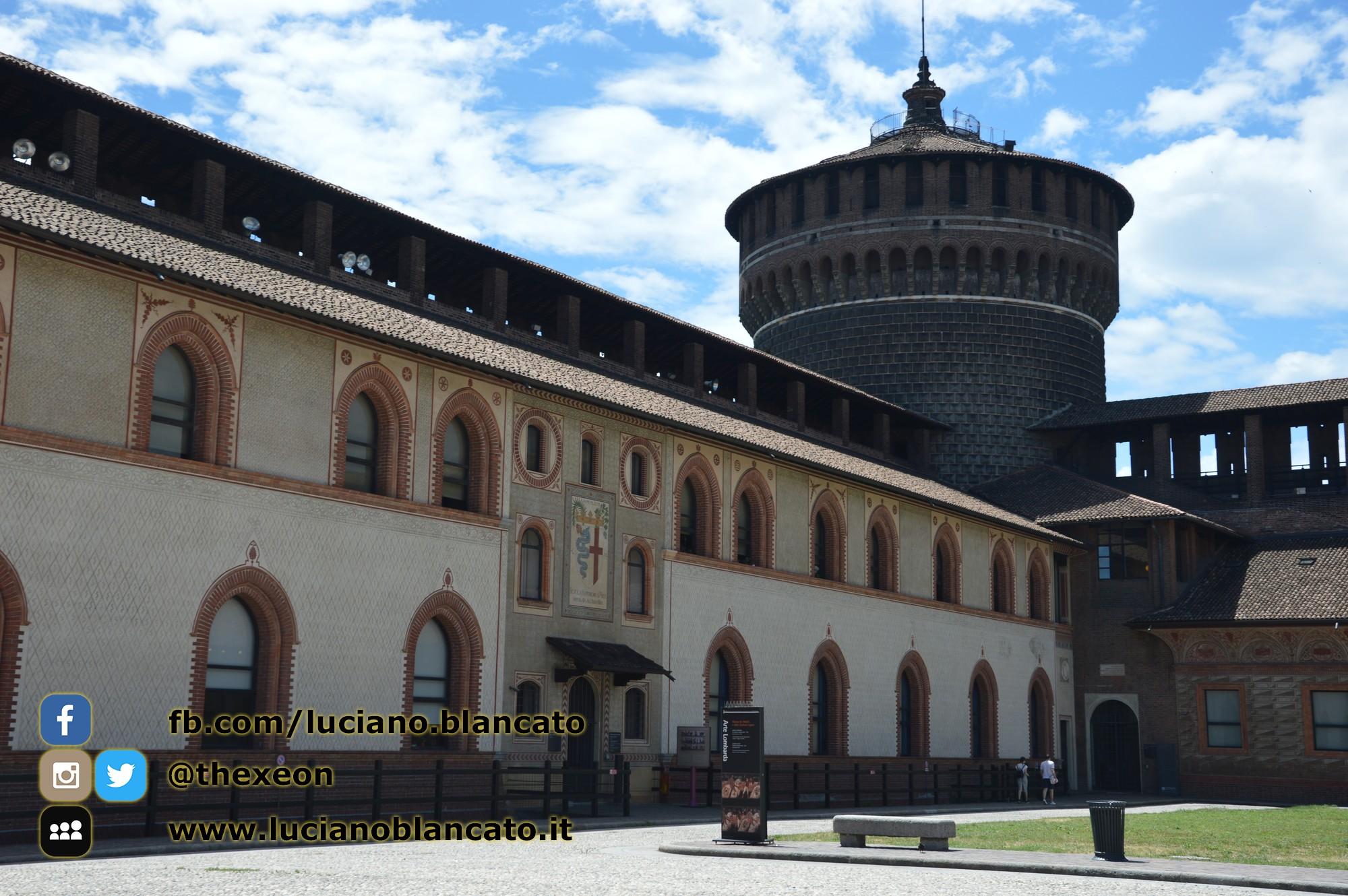 copy_17_Milano - Castello sforzesco - cortili interni