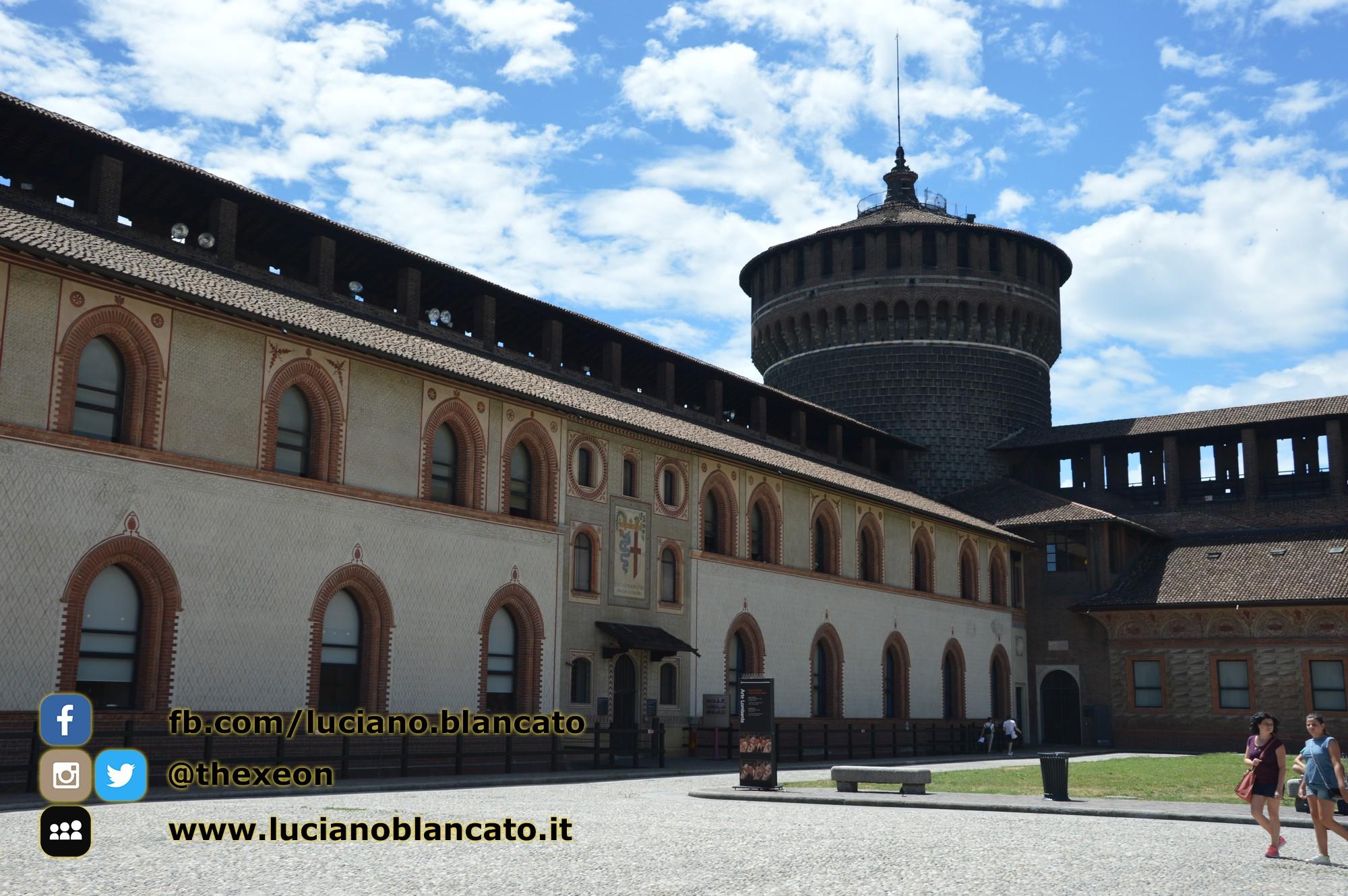 copy_18_Milano - Castello sforzesco - cortili interni