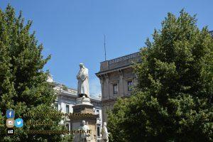 copy_Milano - monumento a Leonardo Da Vinci