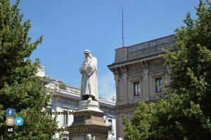 copy_1_Milano - monumento a Leonardo Da Vinci