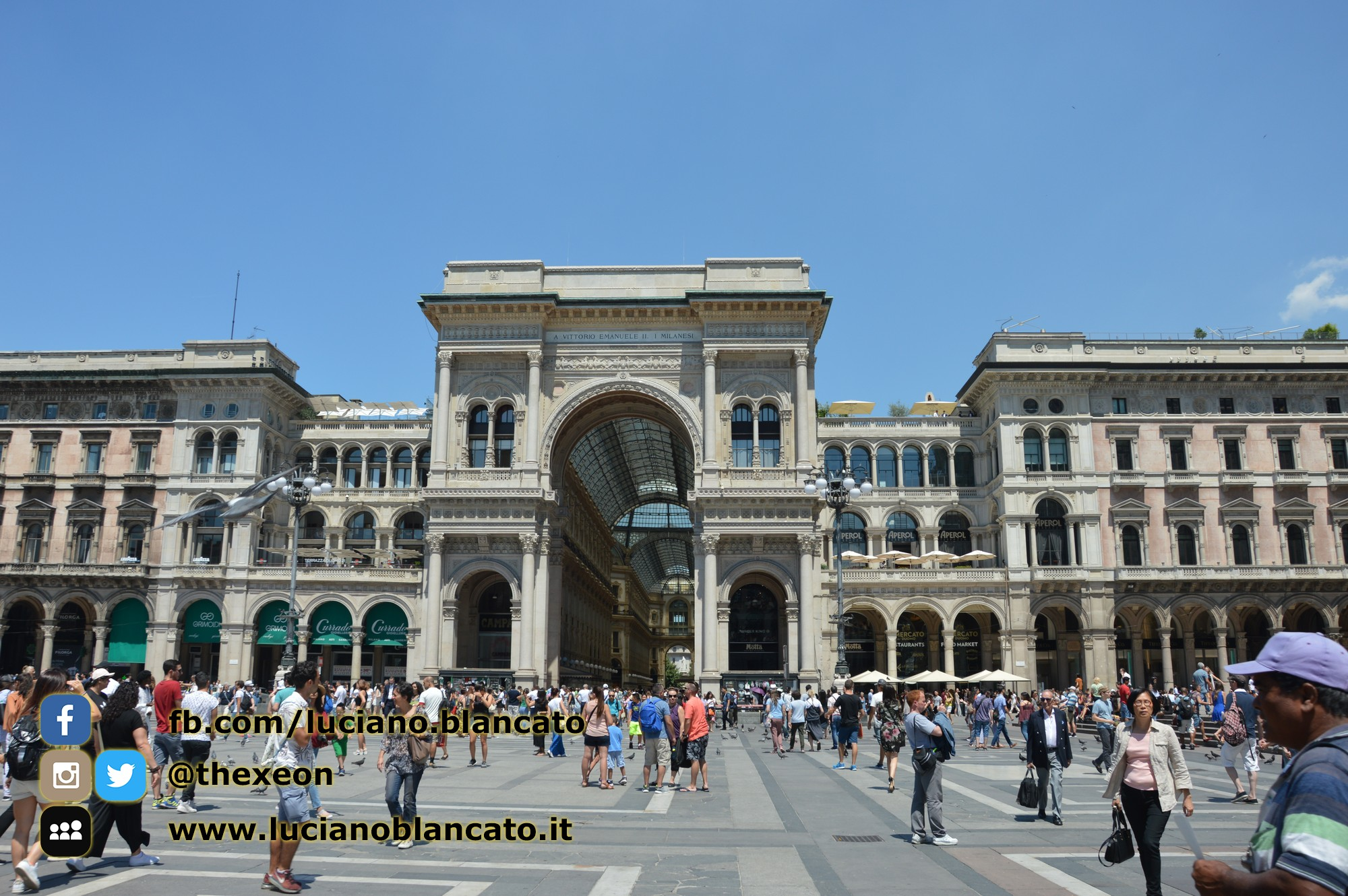 Milano - ingresso galleria Vittorio Emanuele II lato duomo