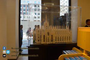 copy_Milano - Lego Store - riproduzione DUOMO