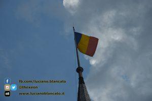 Bucarest - Peleș Castle - Castelul Peleș - bandiera