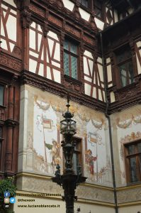 copy_4_Bucarest - Peleș Castle - Castelul Peleș - cortile