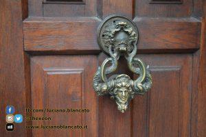 Bucarest - Castello di Bran - Porta d ingresso