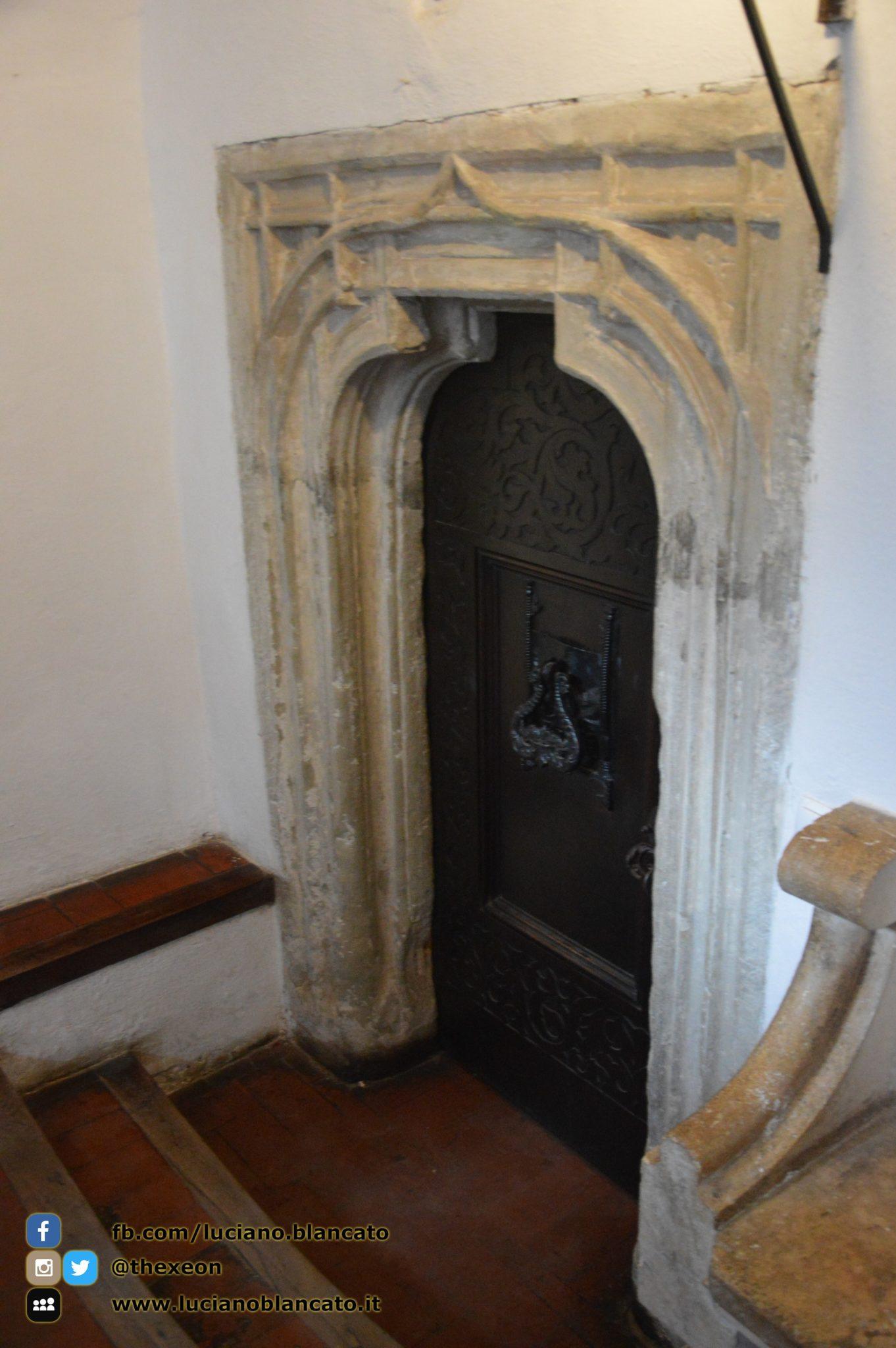 Bucarest - Castello di Bran - Porta di servizio