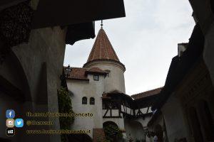 copy_14_Bucarest - Castello di Bran - Cortili interni