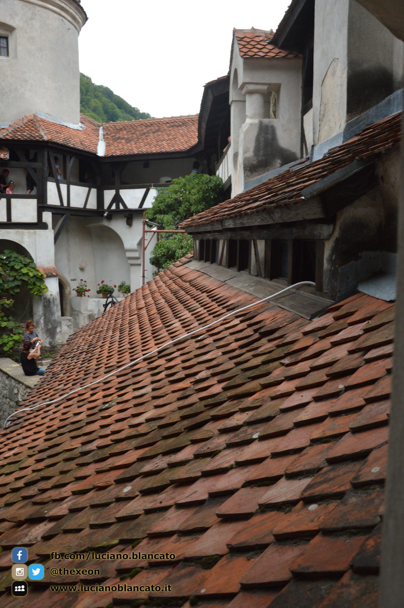 copy_13_Bucarest - Castello di Bran - Cortili interni