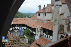 copy_5_Bucarest - Castello di Bran - Cortili interni
