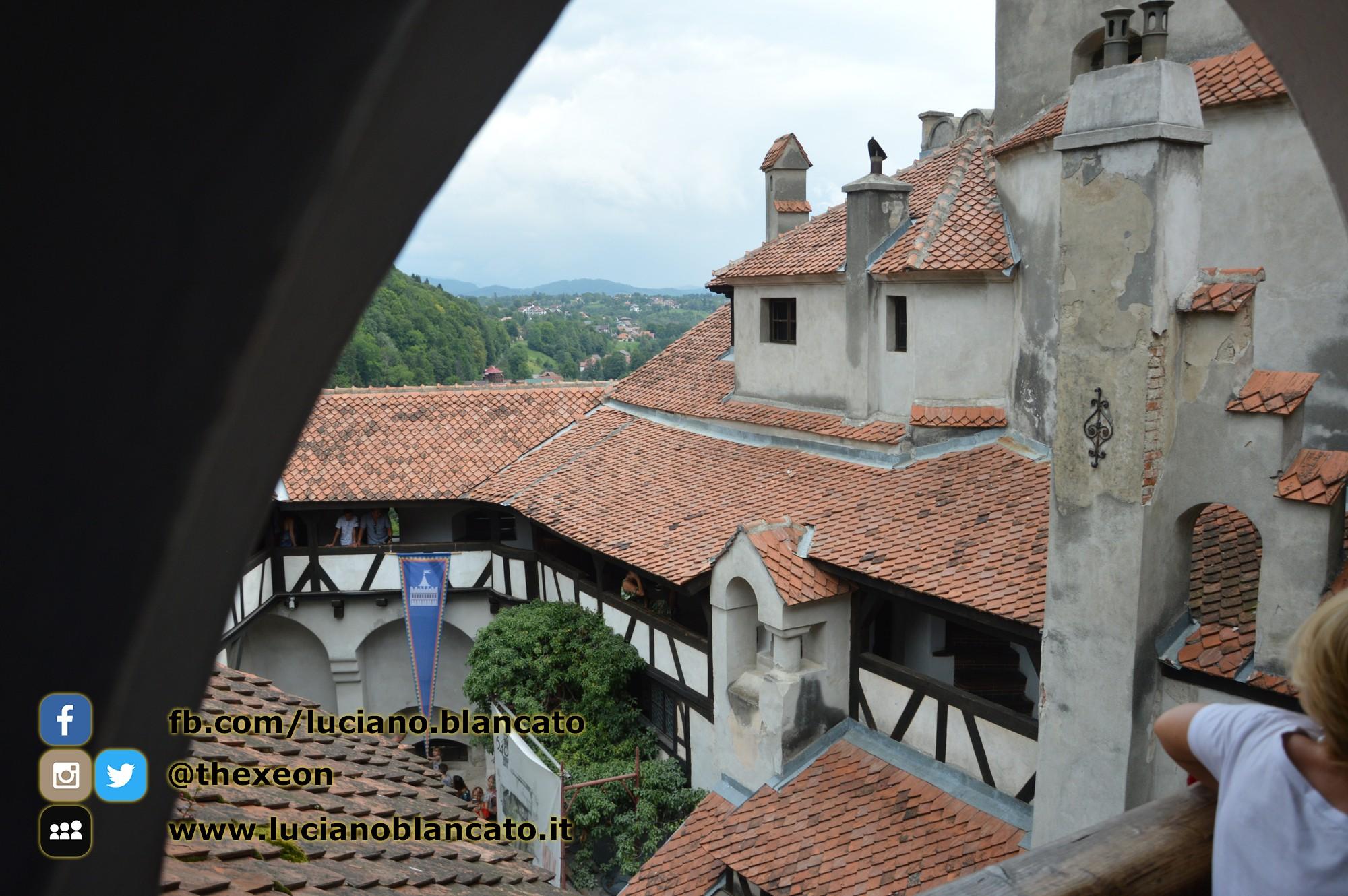 copy_4_Bucarest - Castello di Bran - Cortili interni