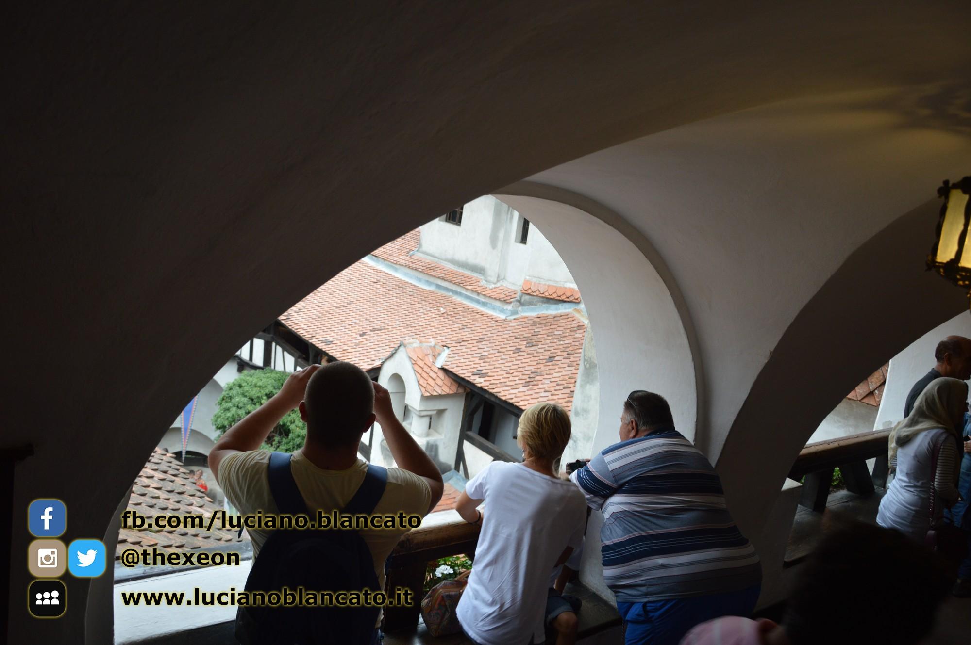 copy_3_Bucarest - Castello di Bran - Cortili interni