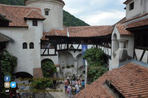 copy_1_Bucarest - Castello di Bran - Cortili interni