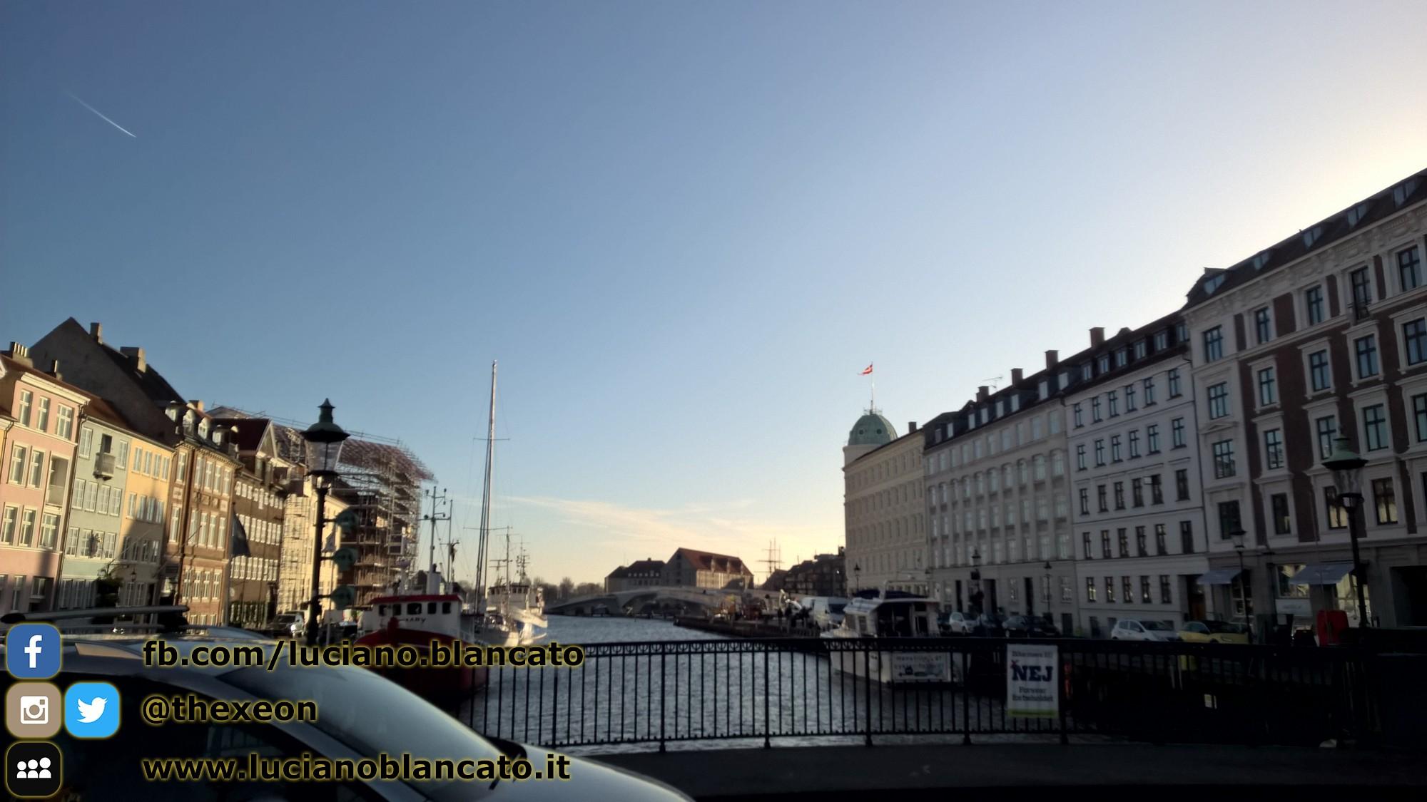 Passeggiando per i canali a Copenaghen - Danimarca