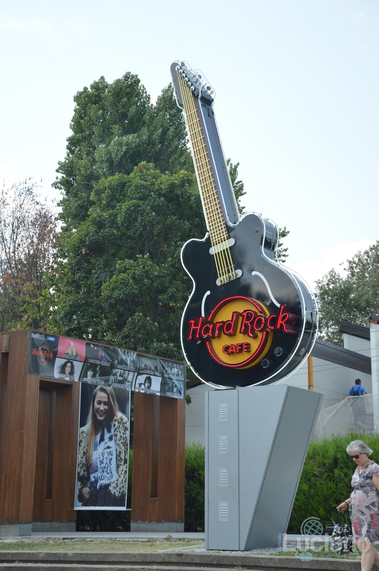 Hard Rock Cafe - insegna, Șoseaua Kiseleff, Bucarest, Romania