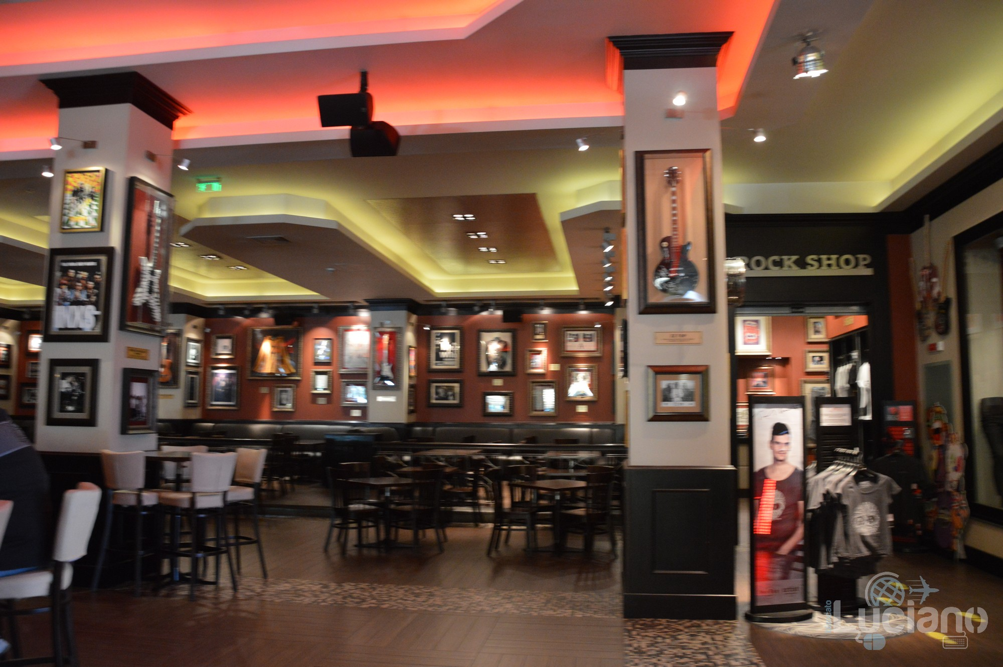 Hard Rock Cafe - interni, Șoseaua Kiseleff, Bucarest, Romania