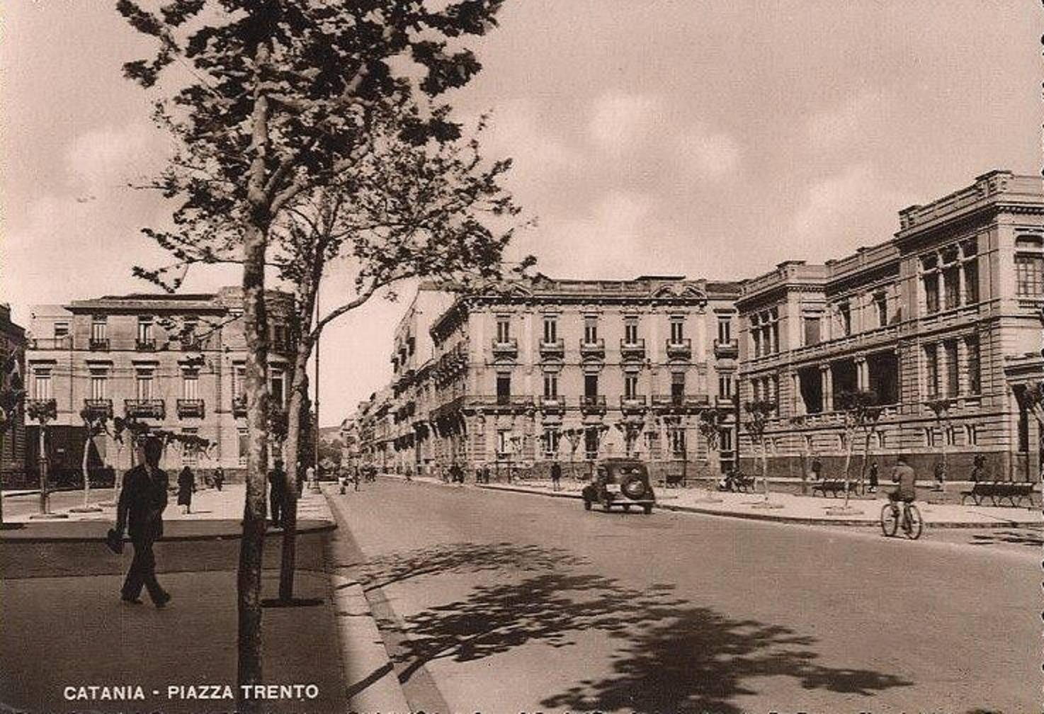 Catania antica: Piazza Trento