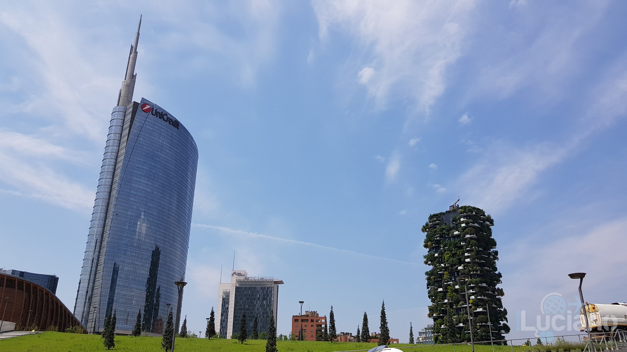 unicredit Tower milano e giardino verticale