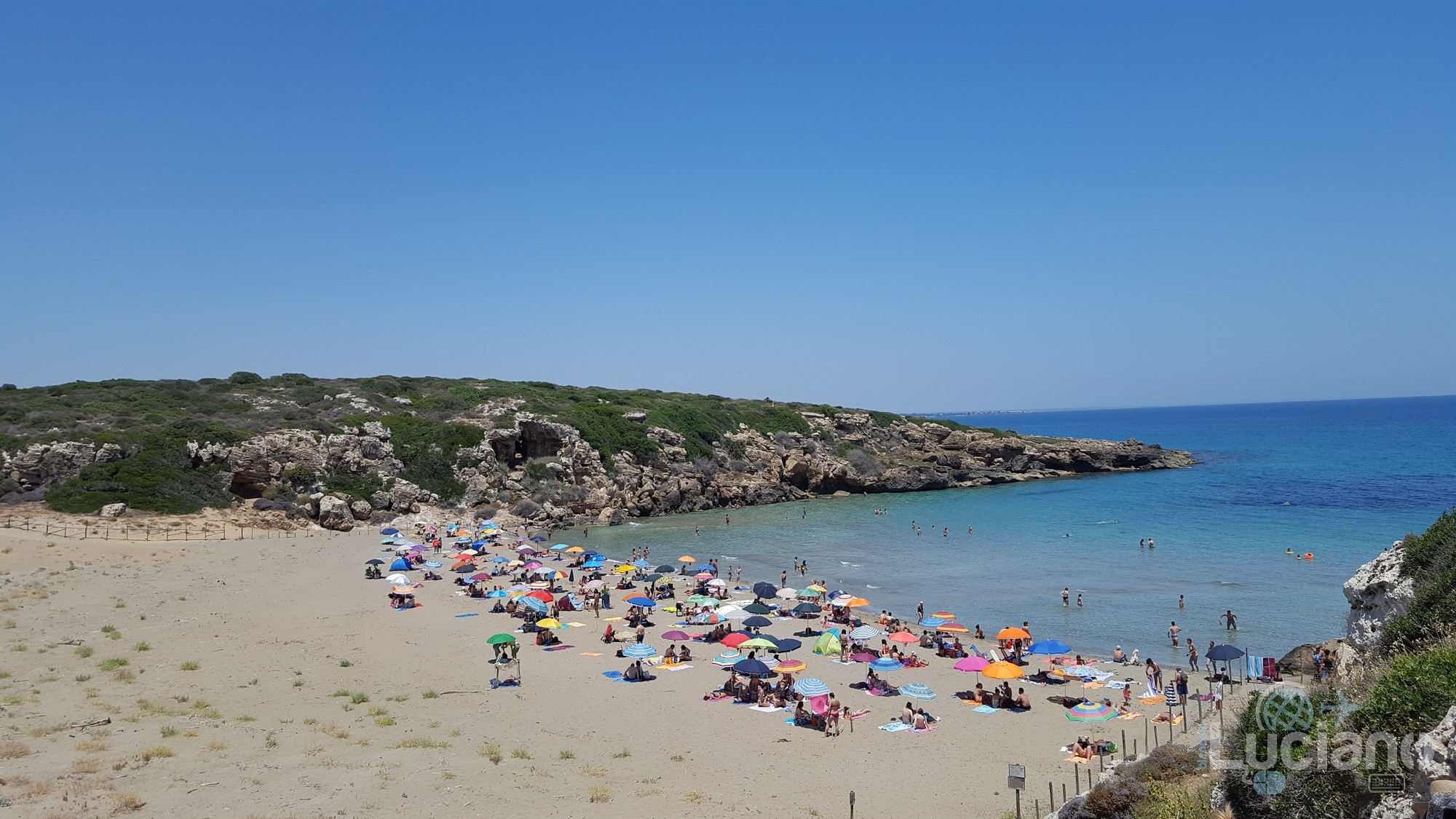 Spiaggia di Calamosche - Siracusa - vista da un costone