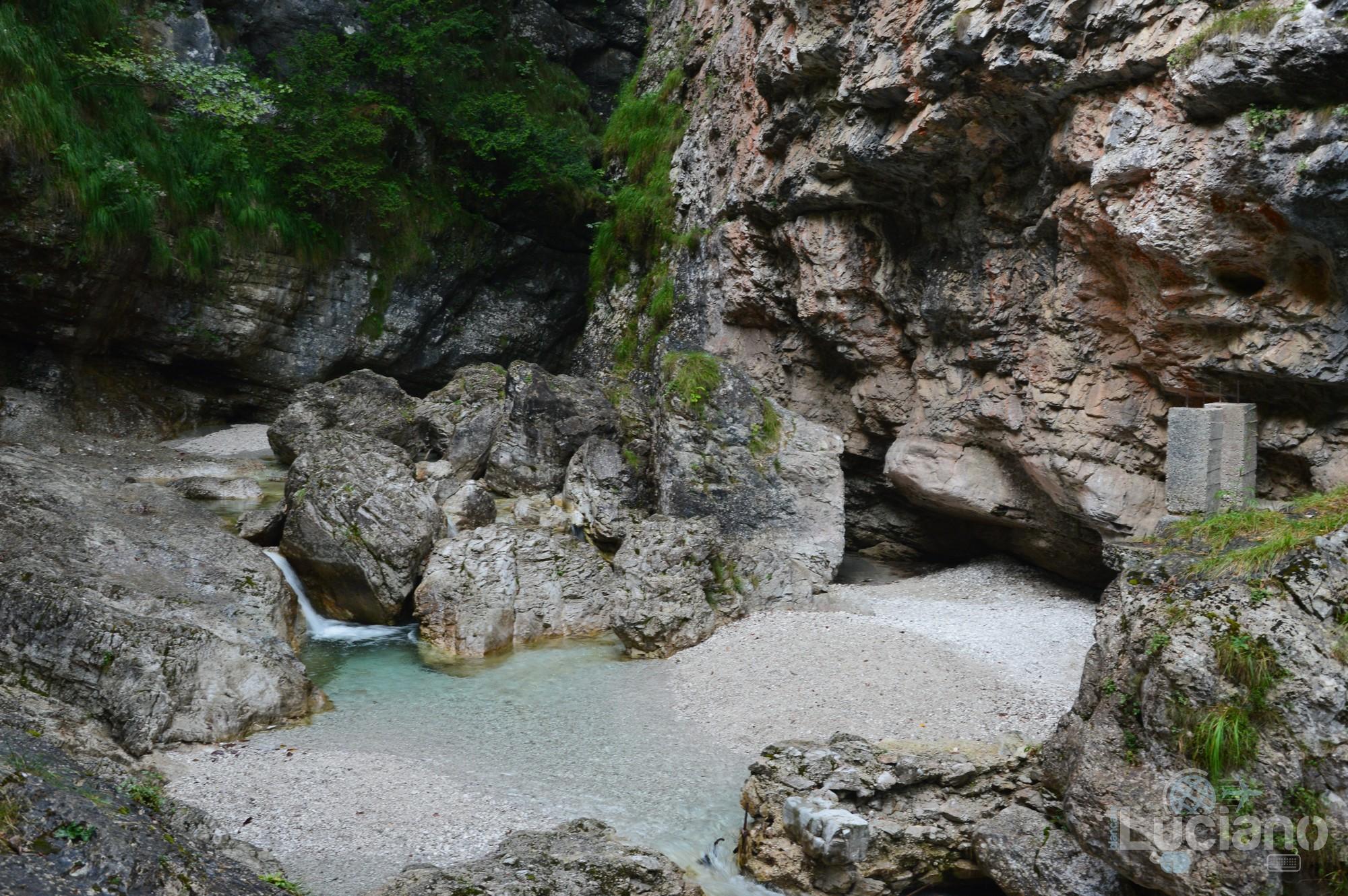Cascata presso Lago del Mis - Sospirolo (Belluno) - Veneto
