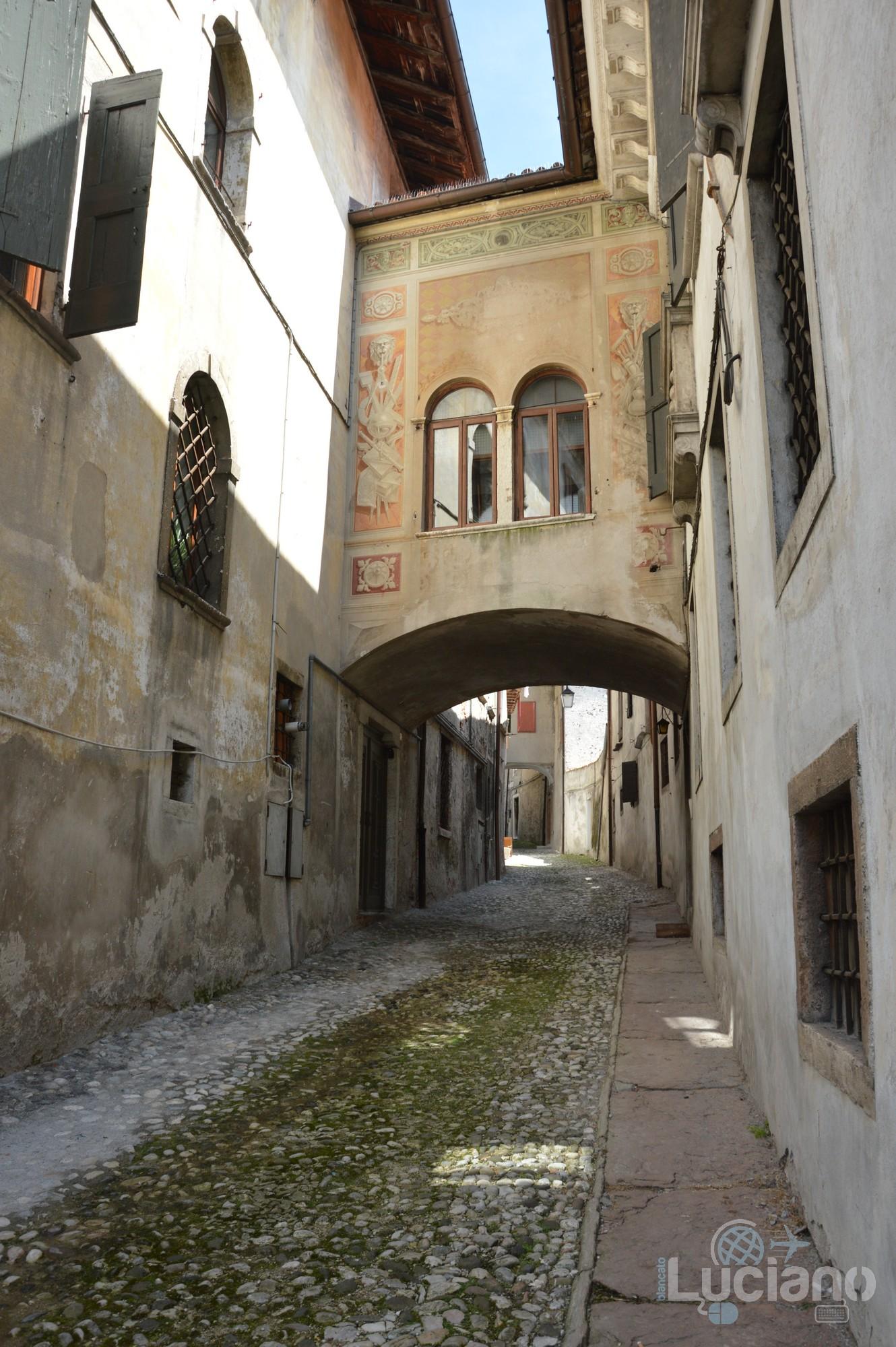 In giro per Feltre (Via De Beccherie) - Veneto