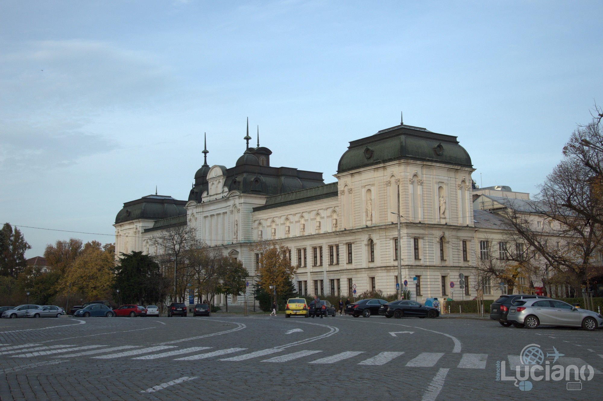 "Piazza  Aleksandar Nevski pl. ""Sveti Aleksandar Nevski"", 1000 Sofia Center, Sofia, Bulgaria"