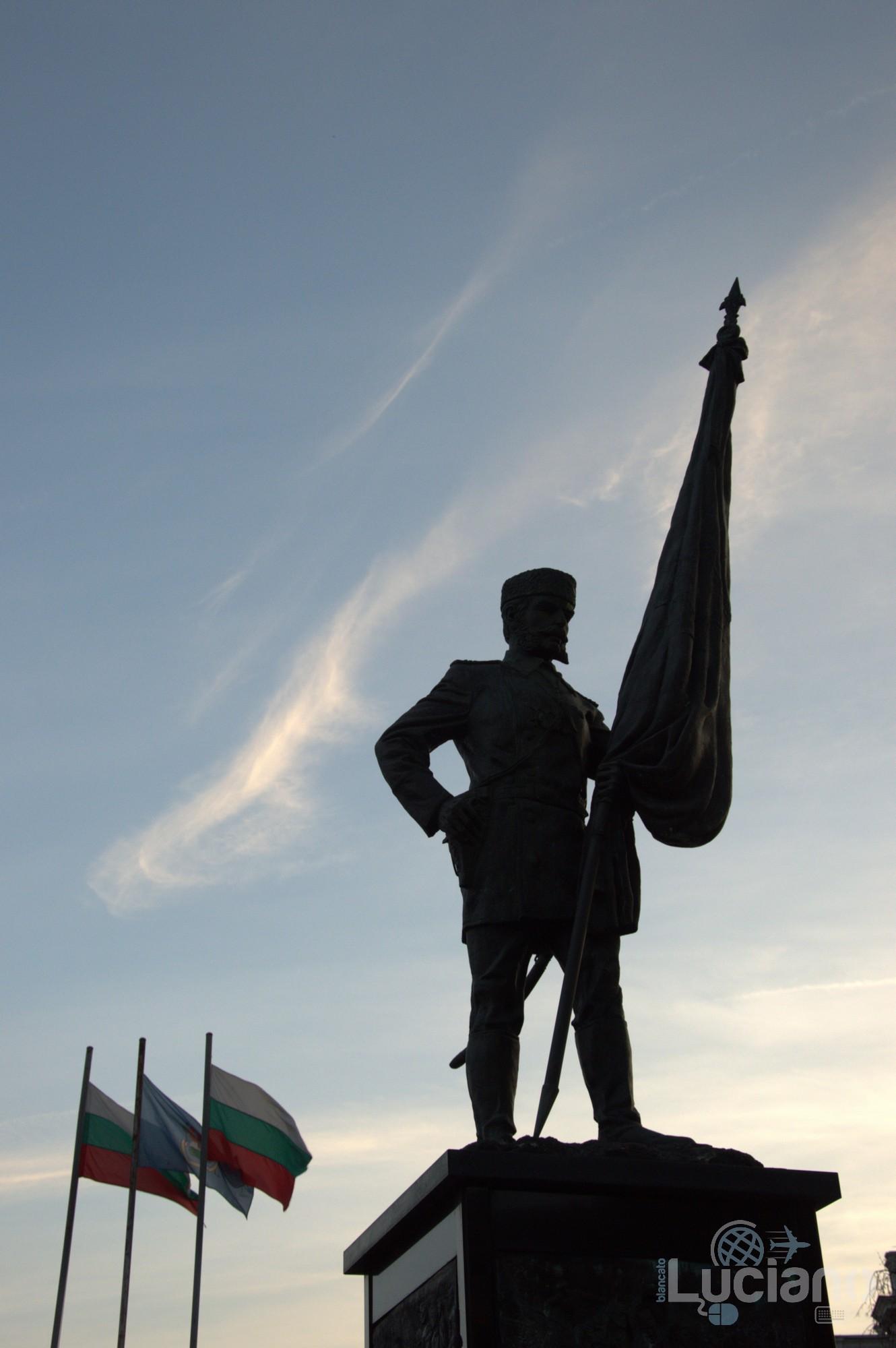Sofia - Bulgaria - Monument volunteer Паметник на Опълченеца